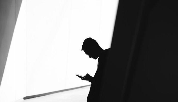 spiare messaggi cellulare