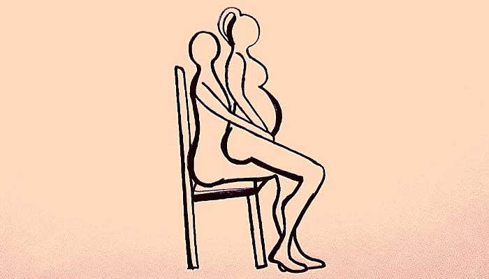 posizione sessuale da incinta sulla sedia